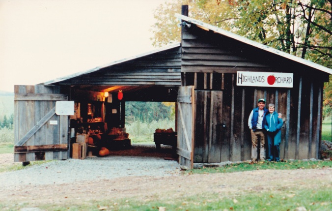 1987 | Taggart's Orchard apple barn - looks remarkably similar today!