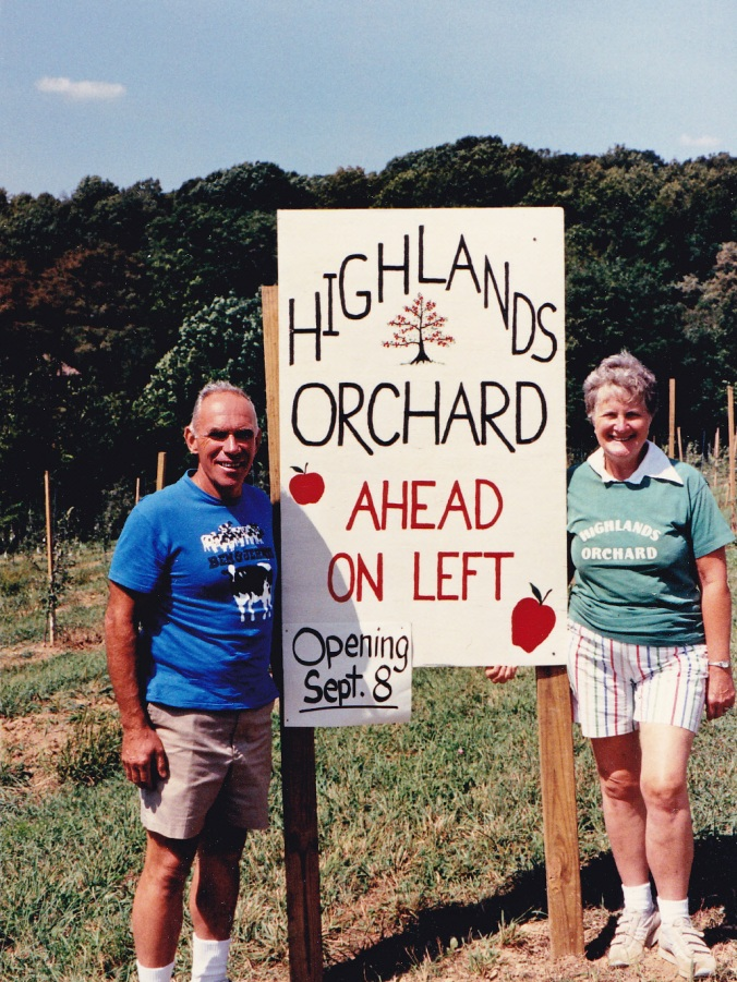 1989 | Kermit and Louise pose by a new section of orchard.